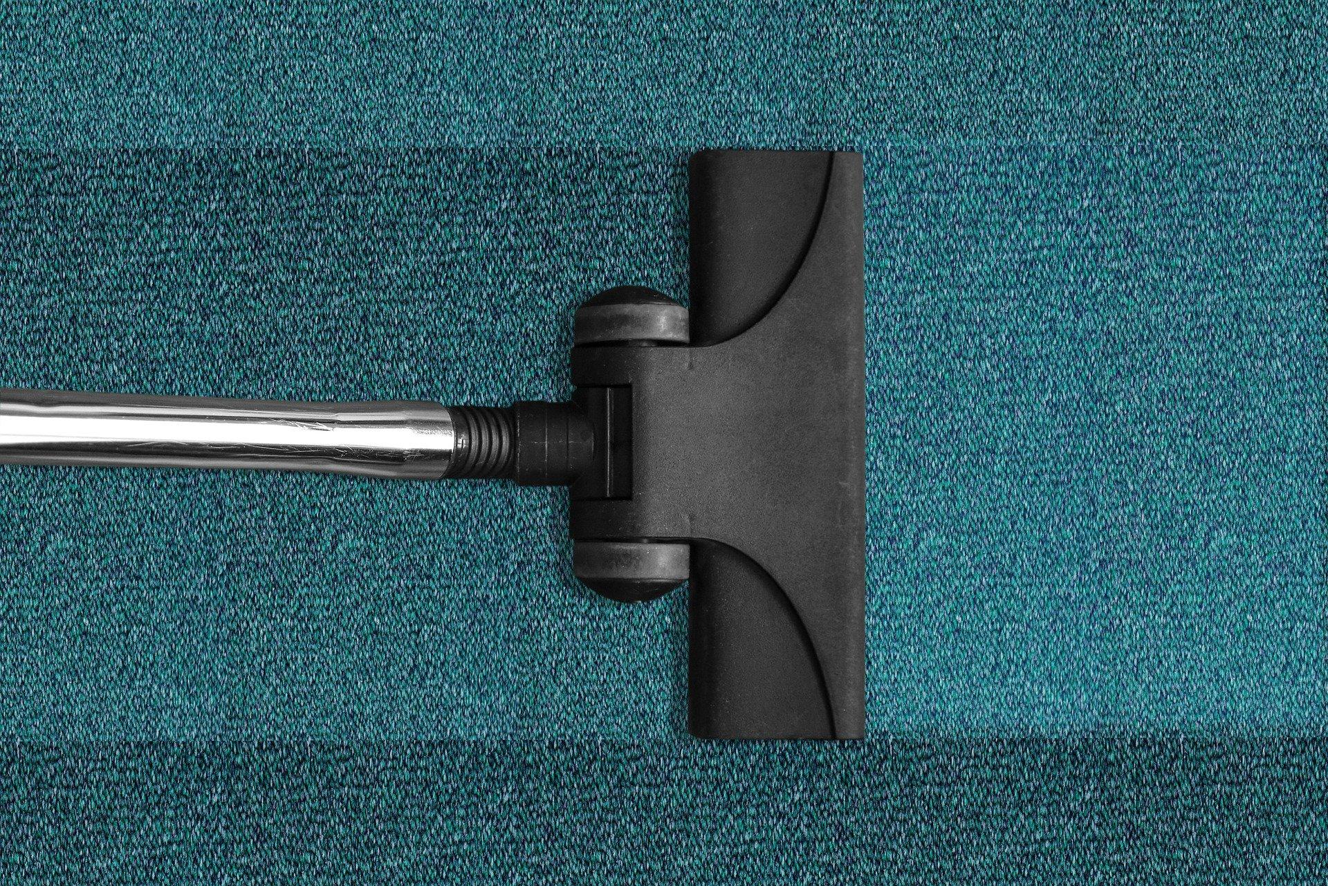 Comment utiliser un nettoyeur à vapeur pour nettoyer votre maison sans produits chimiques