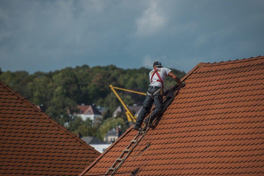 Comment réparer les fuites au niveau de la toiture