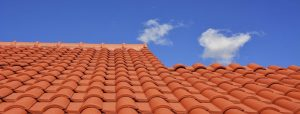Read more about the article L'entretien de sa toiture, est-ce si important en Savoie
